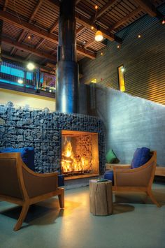 Year-round, guests love to enjoy a refreshing drink in front of the fireplace.