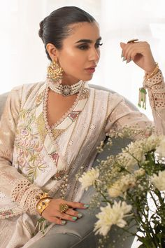 Annus Abrar - Women's clothing Designer. Floria How To Iron Clothes, Silk Pants, Indian Couture, Silk Thread, White Fabrics, Fabric Patterns, Lace Detail, Cloths, Hemline