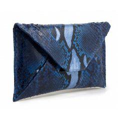 Cartera sobre piel serpiente azul www.sanci.es Leather Bags, Card Case, Wallet, Blue Nails, Handbags, Leather Tote Handbags, Leather Totes, Leather Handbags, Purses