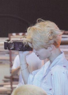 Namjoon trying to look over that wide shoulder Namjoon, Seokjin, Taehyung, Hoseok, Park Ji Min, Foto Bts, Bts Photo, Bts Jimin, Bts Bangtan Boy