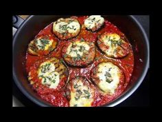 Reteta Vinete in sos de rosii si ardei - YouTube Romanian Food, Food Videos, Side Dishes, Eggs, Vegetables, Cooking, Breakfast, Ethnic Recipes, Youtube