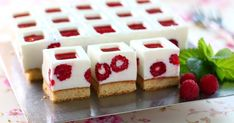 Low Fat Desserts, How To Make Cake, Waffles, Raspberry, Deserts, Sweets, Baking, Breakfast, Recipes