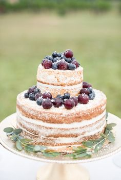 Autumnal Vineyard Wedding Inspiration | Cathy Durig Photography | We Tie The Knots | Bridal Musings Wedding Blog 36