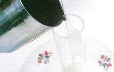 Como hacer velas decoradas con paisajes ~ Mimundomanual David, Hoop Earrings, Design, Porta Velas, Painting Veneer, Carved Candles, How To Make, Hipster Stuff, Homemade Candles