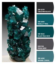 Teal crystal | CNH | ColorSnap