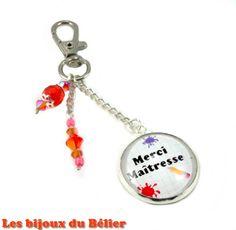 """Porte-clés ou bijou de sac avec message personnalisé """"Merci Maîtresse"""" : Porte clés par les-bijoux-du-belier"""