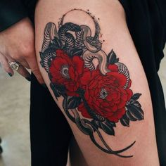 Eye Catching Colourful Tattoos That Will Make You Get Inked 30 Eye Catching Colourful Tattoos That Will Make You Get Inked - Eye Catching Colourful Tattoos That Will Make You Get Inked - bemethis Form Tattoo, 16 Tattoo, Shape Tattoo, Color Tattoo, Tattoo Hip, Trendy Tattoos, Unique Tattoos, Beautiful Tattoos, Colorful Tattoos