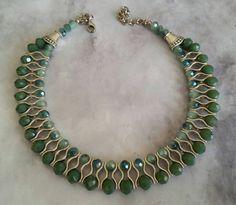 Artículos similares a Collar de cristal verde dos, mejor idea para collar de regalo, mujer en Etsy