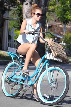 Stylish celebrity cyclists - Fashion Galleries - Telegraph