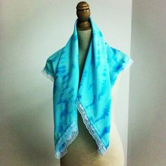 Silk foulard dyed with lace