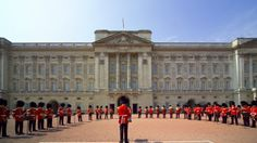 Changing of the Guard // Happens every day during summer weather permitting // Starts at 11:30 // Lasts 45 min
