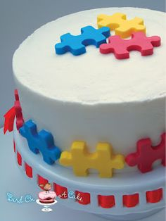 Awesome puzzle cake tutorial from Robin of Bird on a Cake.