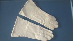 Vintage 1920s White Kid  Leather Gloves by ladysslippervintage, $44.99