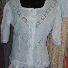 Rincón de Mis Polleras (@rincondemispolleras) | Instagram photos and videos Sewing Hacks, Tunic Tops, Blouse, Lace, Womens Fashion, Clothes, Videos, Instagram, Nightgown