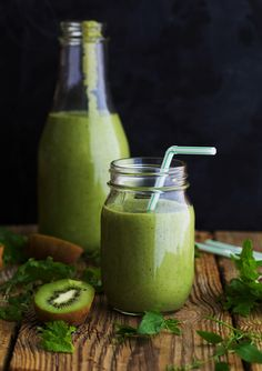 Avocado Kiwi Smoothie and a Jus by Julie Cleanse Giveaway - Golubka