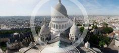 La Basilique du Sacré Cœur de Montmartre  Lots of artists sell their work in the square in Montmartre, street art, and Art Nouveau décor.