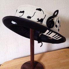 Coco & Ami Mice & Cats Piano Hat