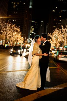 Downtown_Chicago_Christmas_Lights_Wedding_Pictures14