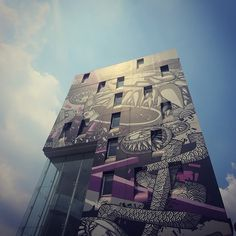 Sumhow only just came across this building in #Jakarta... Pretty sick outerior and interior... cc @ilove_artotel