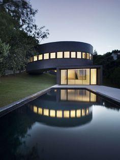 360 House SUBARQUITECTURA stunning!!