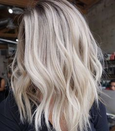 60 ultra flirty blonde hairstyles you need to try .- 60 Ultra flirty blonde Frisuren, die Sie ausprobieren müssen 60 ultra flirty blonde hairstyles to try out to - Hair Blond, Blonde Hair Looks, Best Blonde Hair, Blond Hair Colors, Summer Blonde Hair, Bright Blonde Hair, Beautiful Blonde Hair, Blonde On Blonde, Blonde Hair With Layers