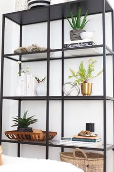 shelf styling how to - modern, minimal, and easy Decor, Bookshelf Styling Living Room, Minimalist Shelves, House Shelves, Interior, Simple Furniture, Shelf Decor Living Room, Room Decor, Shelf Styling Living Room