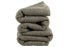 d493b6b966e5 Pashmina en laine cachemire de couleur gris chiné tendance. Echarpe  Cachemire, Laine Cachemire,