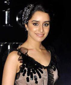Shraddha Kapoor turns the leading lady for Aashiqui 2!