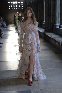 Gucci Resort 2017: The Show in London's Westminster Abbey [Premium]
