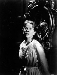 American actress Julie Harris on the set of The Haunting, based on the novel by Shirley Jackson and directed by Robert Wise. Get premium, high resolution news photos at Getty Images Hollywood Actor, Hollywood Actresses, Classic Hollywood, Old Hollywood, Haunted House Film, Robert Wise, Shirley Jackson, Fiction Movies, Horror House
