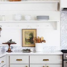 Kitchens Where Shaker Pegs Stole the Show (+ Other Spots to Put These Classic Pegs!) — The Grit and Kitchens Where Shaker Pegs Stole the Show (+ Other Spots to Put These Classic Pegs!) — The Grit and Polish Kitchen Ikea, Kitchen Shelves, Kitchen Interior, New Kitchen, Kitchen Dining, Kitchen Decor, Kitchen Pantry, Design Kitchen, Skinny Kitchen