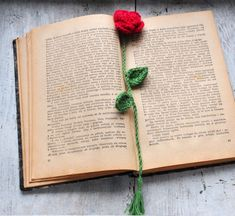 zakładki do książek-Romantyczna zakładka -szydełkowa róża