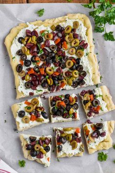 This Olive Pizza Appetizer is such an easy and fantastic appetizer for a party or get together. It's made with my pizza dough recipe that never fails. This appetizer recipe is an olive lover's dream! If you like my Olive Cheeseball, you MUST make this oli Pizza Appetizers, Yummy Appetizers, Appetizers For Party, Olive Recipes Appetizers, Green Olive Appetizers, Green Olive Dinner Recipes, Appetizer Buffet, Vegetarian Appetizers, Easy Appetizer Recipes