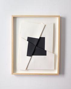Lives/works in New York City. Modern Art, Contemporary Art, Bedroom Art, Texture Art, Minimalist Art, Art Plastique, Geometric Art, Diy Art, Decoration