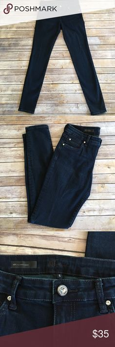 MIA Toothpick Skinny Dark Wash These jeans are in mint condition! Check out the pretty button detail!!! How pretty. Inseam 31 in (plenty of room to hem) front rise is 8 1/2 in. Kut from the Kloth Jeans Skinny