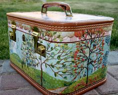 Cosmetic Train Case Makeover by Camille McClelland. just beautiful! Cosmetic Train Case Makeover by Camille McClelland. just beautiful! Painted Suitcase, Suitcase Decor, Suitcase Storage, Vintage Suitcases, Vintage Luggage, Old Luggage, Cosmetic Train Case, Vintage Train Case, Kelly Wearstler