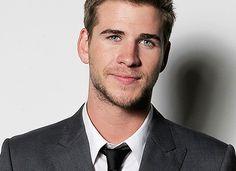 Liam Hemsworth http://media-cache1.pinterest.com/upload/55661745364621744_FbuDRtv9_f.jpg chrishunter3240 male models idol