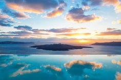 Santorini's impossibly beautiful views are revered as some as the best in the world. Throw in a swimming pool as incredible as this one at the Cosmopolitan Suites and you have a match made in swimming pool heaven. Plan your next vacation at https://tigsee.com/