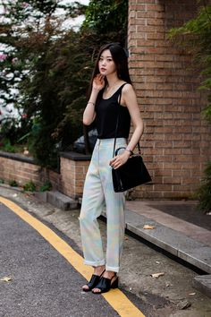 TOP | AMERICAN APPAREL PANTS | PAUL&ALICE BAG | H&M Street Style Shin Nahyung, Seoul