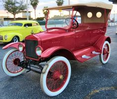 cars with wide white walls Vintage Cars, Antique Cars, Vintage Auto, Automobile, Ford Vehicles, Old Classic Cars, Old Fords, The Old Days, Car Ford