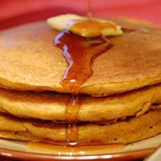 Low Cal, Gluten Free Pumpkin Pancakes! Yum!