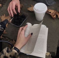 Autumn Aesthetic, Book Aesthetic, Autumn Day, Autumn Walks, Winter, Best Seasons, We Fall In Love, Inspiration, Private School