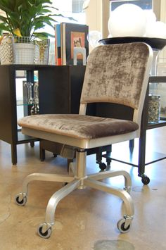 can I paint and reupholster my desk chair to look cool like this? Cool Desk Chairs, Space Place, Look Cool, Home Office, Repurposed, Diy Home Decor, Upholstery, Diy Projects, Cool Stuff