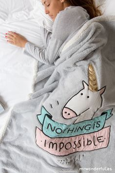 Unicorn Blanket For Adults Real Unicorn, Magical Unicorn, Cute Unicorn, Rainbow Unicorn, Unicorn Kids, Pilou Pilou, Unicorn Bedroom, Unicorn Rooms, Unicorns And Mermaids