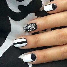Stylish Black and White Nail Art Design