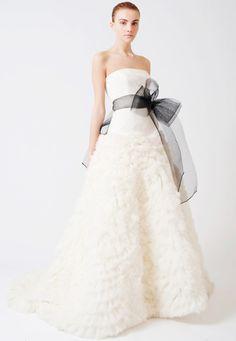 See the latest Vera Wang wedding dresses at verawang.com. View Vera Wang Bride's Fall 2017 wedding dresses.