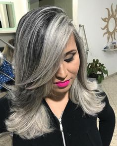 Light Lavender Layers - Purple Ombre Hair Ideas: Plum, Lilac, Lavender and Violet Hair Colors - The Trending Hairstyle White Ombre Hair, Light Purple Hair, Silver White Hair, Grey Hair Don't Care, Gray Hair, Silver Haired Beauties, Violet Hair Colors, Mid Length Hair, Hair Highlights