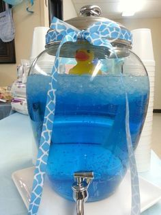 DIY Baby Shower Ideas for Boys: Sparkling Punch Use sprite with a few drops of blue food coloring or blue hawaiian punch. or lemonade with sprite and blue food coloring I have a package of blue rubber ducks so we could use them in water and get yell Deco Baby Shower, Bebe Shower, Baby Shower Punch, Shower Party, Baby Shower Games, Baby Shower Parties, Food For Baby Shower, Bridal Shower, Baby Shower Boys