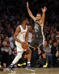 New York, NYC 2/26/18 - Warriors buckled down in 125-11 road victory over Knicks Monday. #KlayThompson hyper-efficient, scored game-high 26 points. #KevinDurant added 22 points, 9 rebounds, #StephenCurry contributed 21 points, 5 assists. Warriors improve to 47-14.