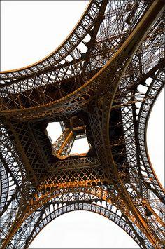 View from below of the Eiffel TowerLa Tour Eiffel, vue de dessous Tour Eiffel, Paris Torre Eiffel, Paris Eiffel Tower, Eiffel Towers, Eiffel Tower Photography, Paris Photography, Deco Paris, Louvre Paris, Montmartre Paris